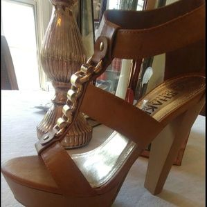 Shoes - 🔥Brand New Heals, Size 7 Tan in color with gold e